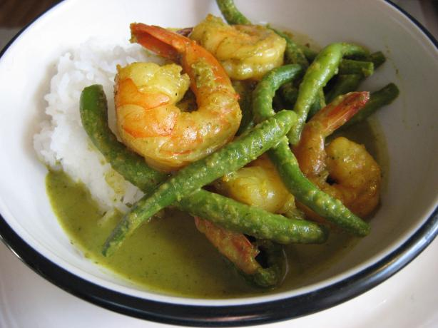 Shrimp and Coconut Curry With Green Beans. Photo by averybird