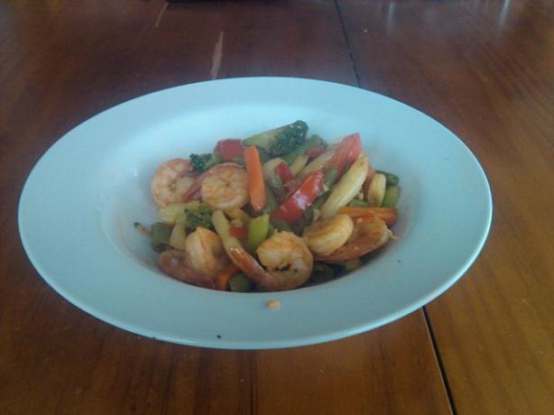 Sweet Chilli & Garlic Shrimp/Prawn Stir Fry. Photo by hard62