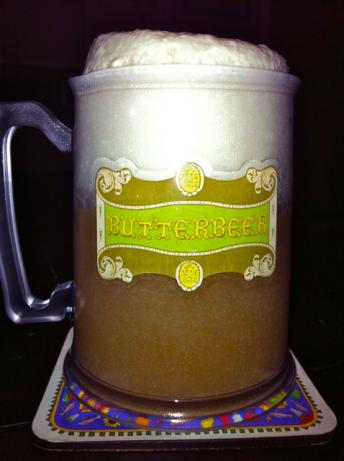 Wizarding World of Harry Potter Butterbeer. Photo by Batmansgirl80