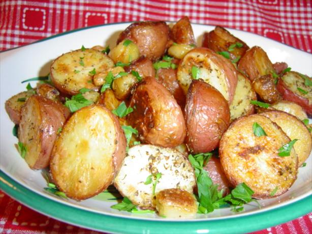 Roasted Garlic-Herb New Potatoes. Photo by :(