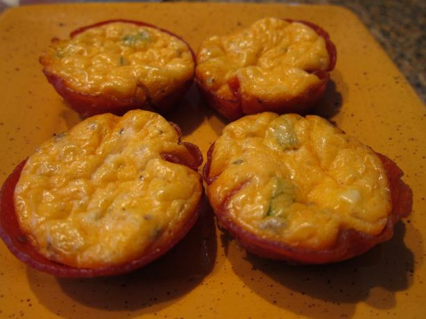 Low-Carb Pizza Bites. Photo by Chilicat