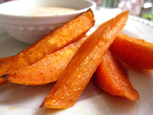 Baked Chipotle Sweet Potato Fries. Photo by gailanng