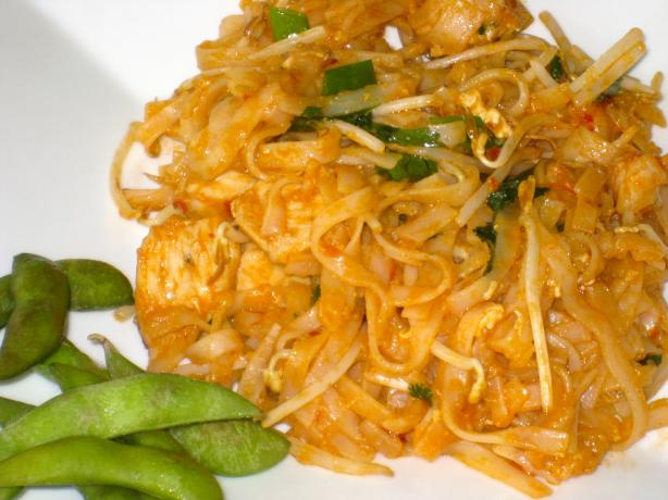 Pad Thai With Chicken and Shrimp. Photo by FrenchBunny