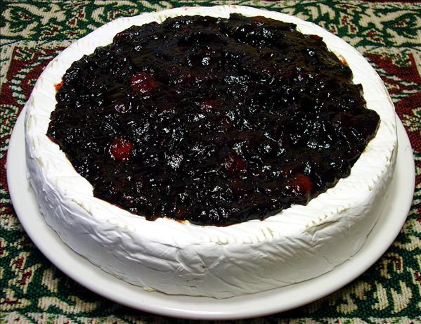Cranberry-Glazed Brie. Photo by - Carla -