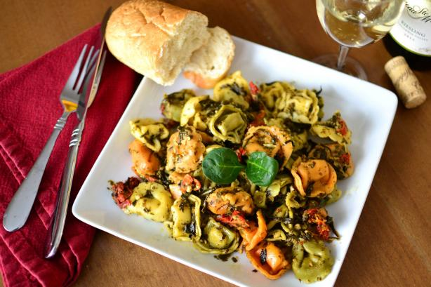 Ravioli or Tortellini With Pesto and Spinach. Photo by Marg (CaymanDesigns)