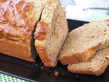 Fat-Free, Sugar-Free & Cholesterol-Free Banana Bread!. Photo by DuChick