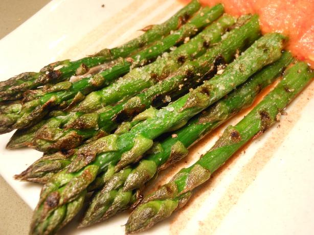 Grilled Asparagus With Red Bell Peppers Sauce. Photo by JustJanS