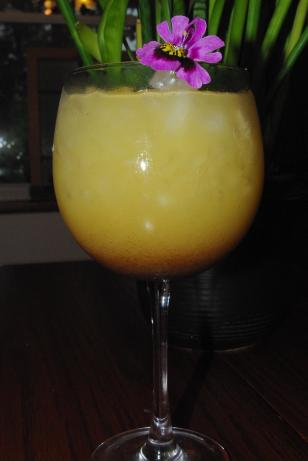 Pineapple Drink (Chinanadzi). Photo by Linky