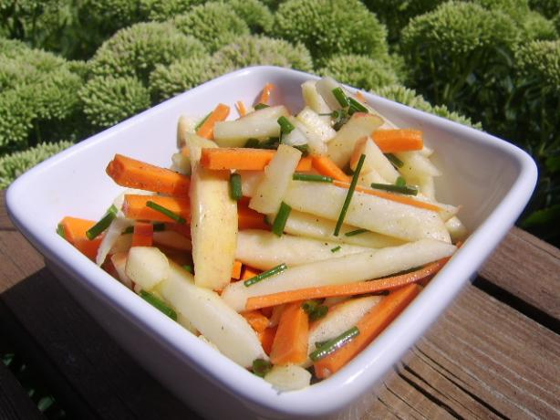 Apple and Carrot Salad (Ww - 2 Pts.). Photo by LifeIsGood