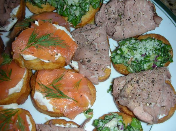 Basic Crostini With Variations. Photo by JackieOhNo!