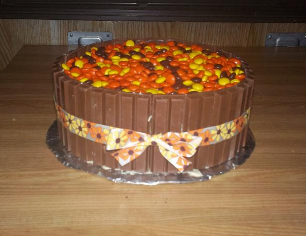 Autumn Kit Kat Layer Cake (W/ Reeses Pieces). Photo by PSU Lioness