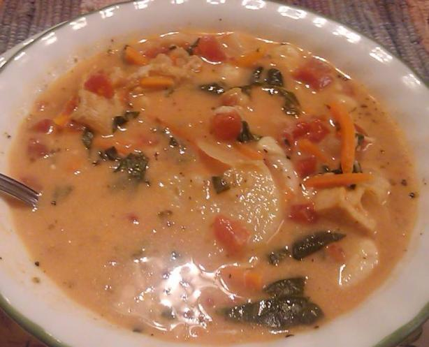 Chicken and Potato Florentine Soup (Olive Garden). Photo by TLC-MO