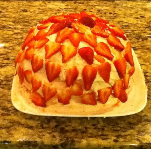 Strawberry Jam Cake With Fresh Berry Frosting. Photo by shadow0599