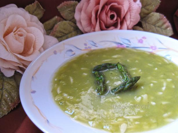 Stelline in Zuppa Di Asparagi E Menta. Photo by Annacia