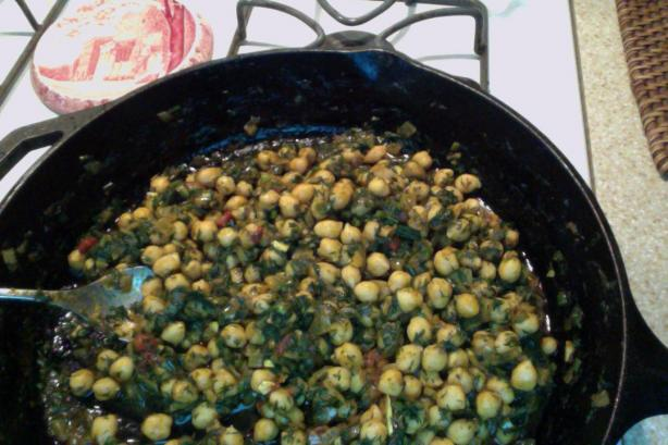 Chickpea Curry With Fresh Dill (Rasa Walla Kabuli Chana). Photo by adams.wifey