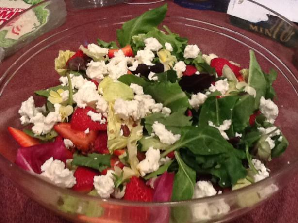 Ultimate Fabulous Baby Greens and Strawberry Salad!. Photo by CIndytc