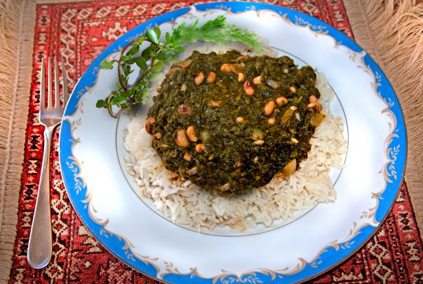 Delicious Vegetarion/Vegan Spinach Stew With Rice. Photo by Hudakore