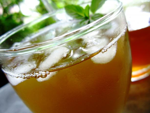 Mint Sweet Iced Tea. Photo by gailanng