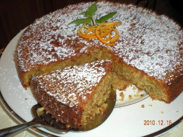 Moroccan Orange and Almond Cake. Photo by gemini08