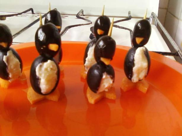 Cream Cheese Penguins. Photo by littlemafia