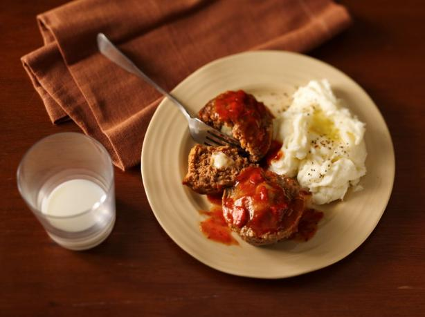 Cheese-Stuffed Mini Meat Loaves. Photo by Progresso Recipe Starters