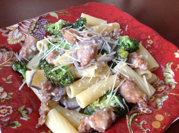 Rigatoni With Roasted Sausage and Broccoli. Photo by AZPARZYCH