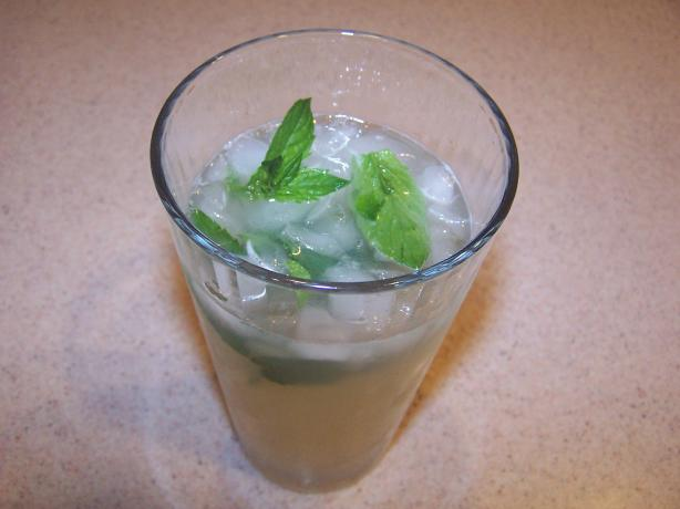 Nojito (Nonalcoholic Mojito Cocktail). Photo by Cooks4_6