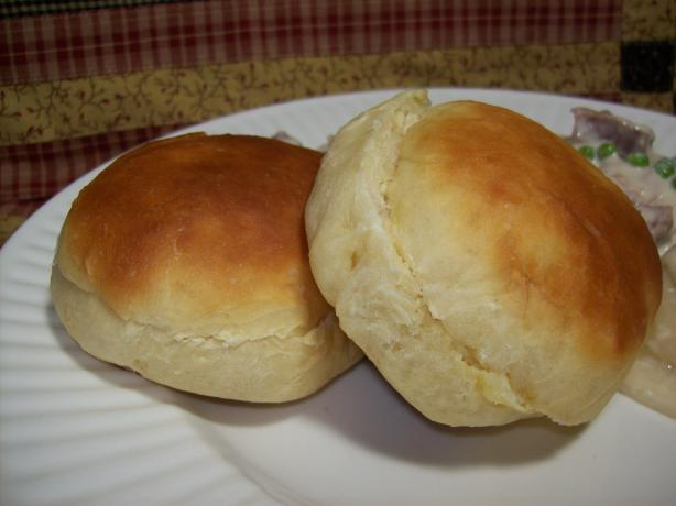Rich Bread Machine Dinner Rolls. Photo by Chef shapeweaver ©