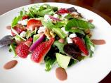 Strawberry, Goat Cheese and Roasted Walnut Salad With Strawberry