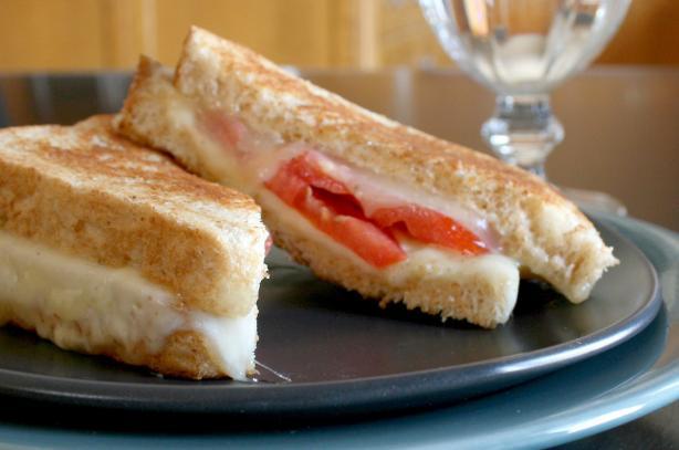 Grilled Cheese & Tomato Sandwich. Photo by Cookin-jo