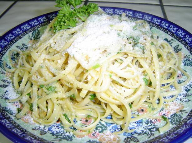 Pasta with Oil and Garlic Sauce. Photo by I'm a Cookin' Fool