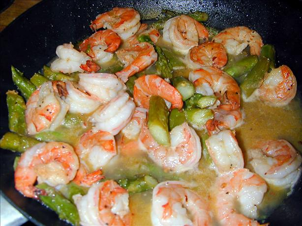 garlic shrimp with asparagus. Photo by Barb Gertz