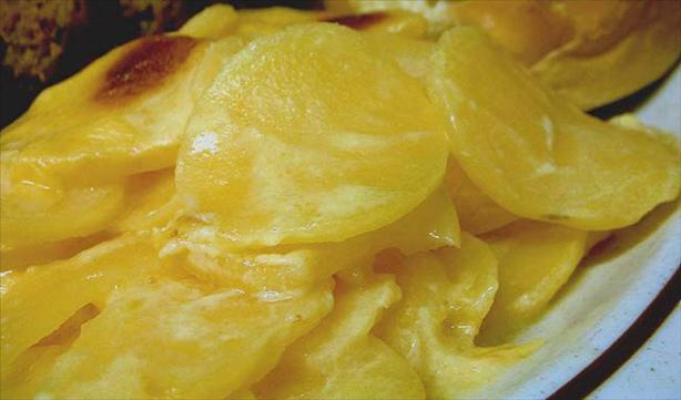 Potatoes Au Gratin. Photo by VickyJ