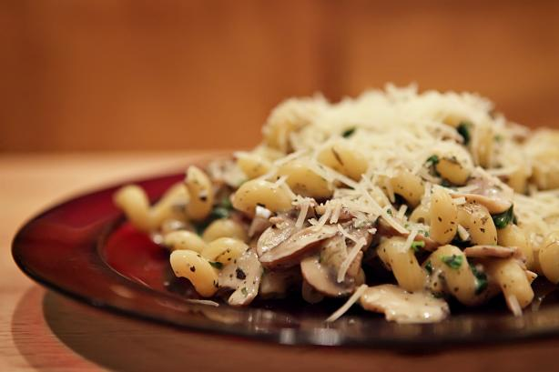 Spinach & Mushroom Pasta. Photo by CulinaryExplorer