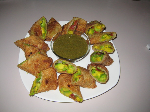 Copycat Cheesecake Factory's Avocado Egg Rolls. Photo by Minakshi