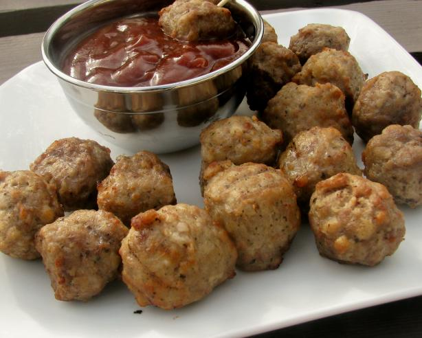 Your Basic Meatballs. Photo by lazyme