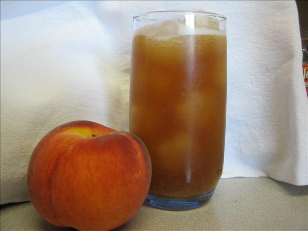 Sweet Iced Peach Tea. Photo by Chilicat