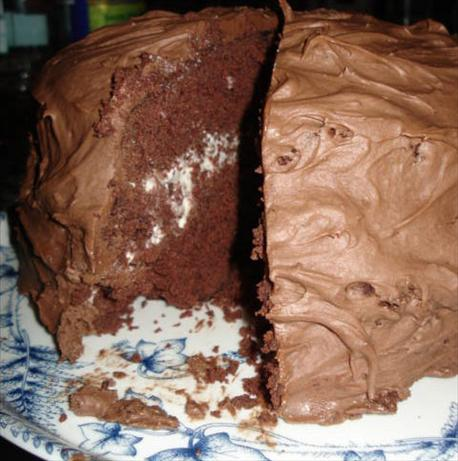 Perfect Chocolate Cake With Whipped Cream Filling. Photo by KrabKokonas