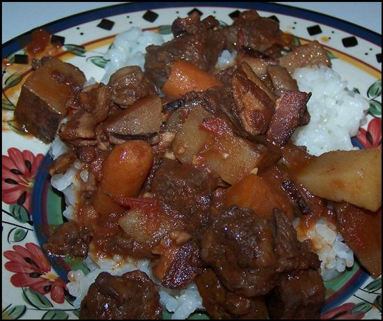 Decadent Crock Pot Beef Stew With Red Wine. Photo by kzbhansen