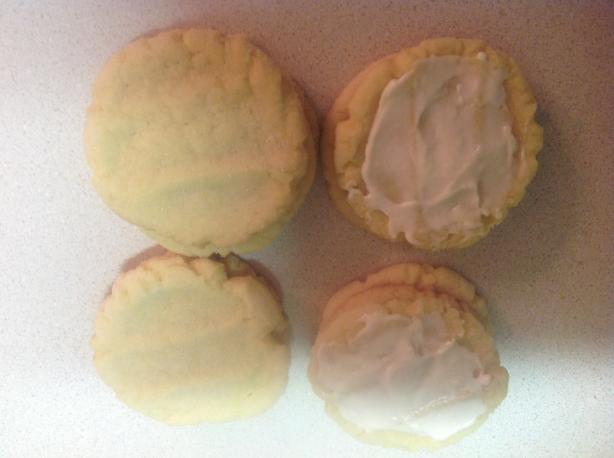 Lemon Pudding Sugar Cookies. Photo by Jenfrench1982