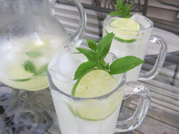 Refreshing Mojito  by the Pitcher Mojitos. Photo by Kim127