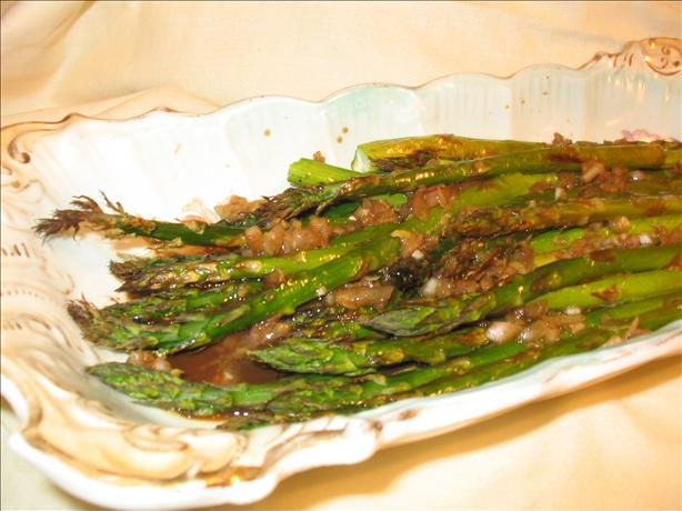 Roasted Asparagus with Balsamic-Shallot Butter. Photo by Charmie777