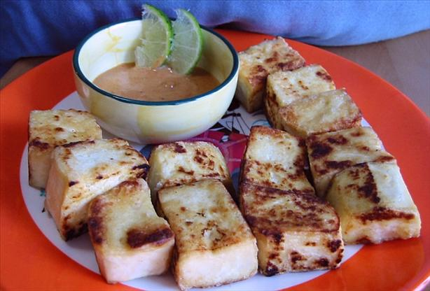 Pan-Fried Tofu with Spicy Peanut Sauce. Photo by WaterMelon