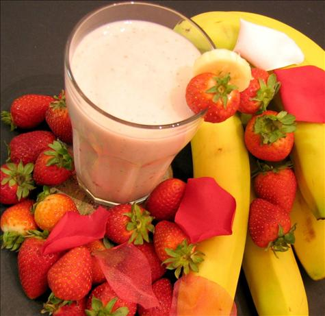 Strawberry Banana Smoothie. Photo by eatrealfood