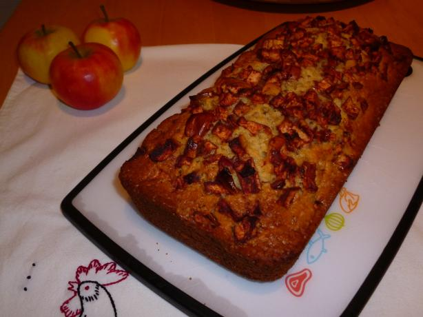 Jewish Apple Cake. Photo by Liasse