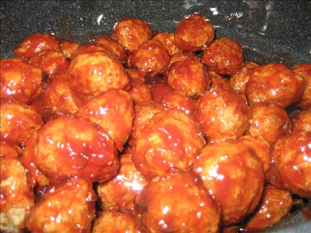 Appetizer Grape Jelly and Chili Sauce Meatballs or  Lil Smokies. Photo by HeidiSue