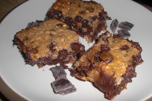 Super Easy Chocolate Chip Brownies. Photo by Mandanagans