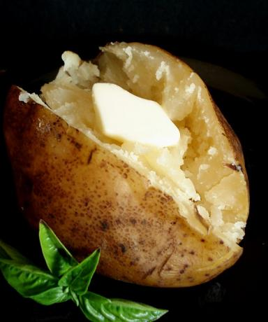 Crock Pot Baked Potatoes. Photo by Marg (CaymanDesigns)