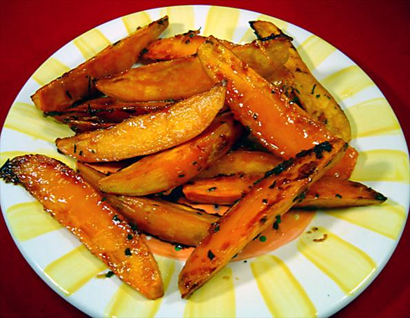 Rosemary Roasted Sweet Potatoes. Photo by :(