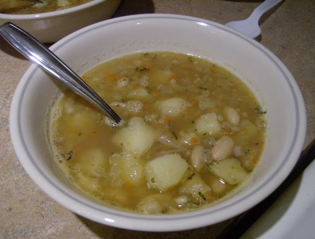 Mediterranean White Bean Soup. Photo by mMadness97